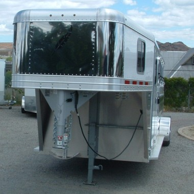 2016 FEATHERLITE 8533 4 HORSE DRIVERS SIDE VIEW