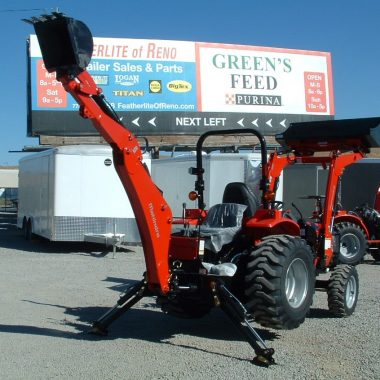MAHINDRA 1526 WITH BACKHOE REAR VIEW