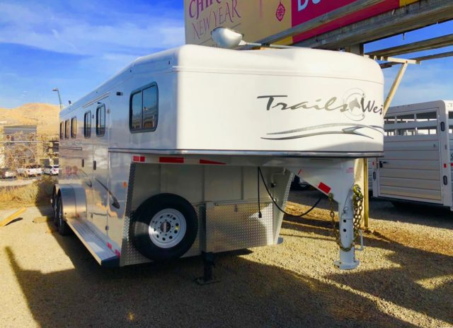 2017 Trails West Classic 21′ 3 Horse Trailer Front Right Side View 2