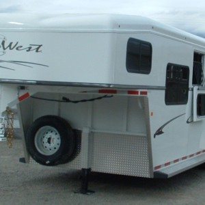2016 TRAILS WEST CLASSIC 17'5″ 3 HORSE TRAILER DRIVERS SIDE VIEW