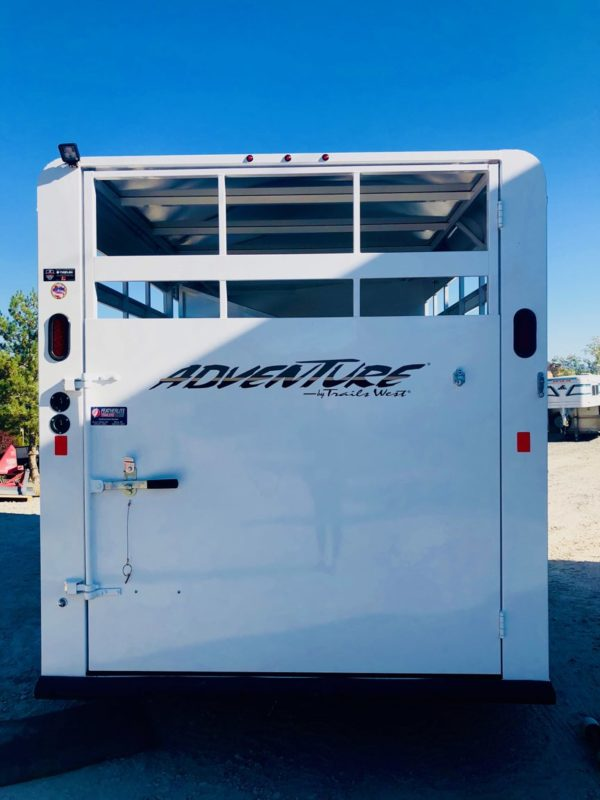 2019 Trails West 15′ Adventure II 3 Horse Back Side View Door Closed