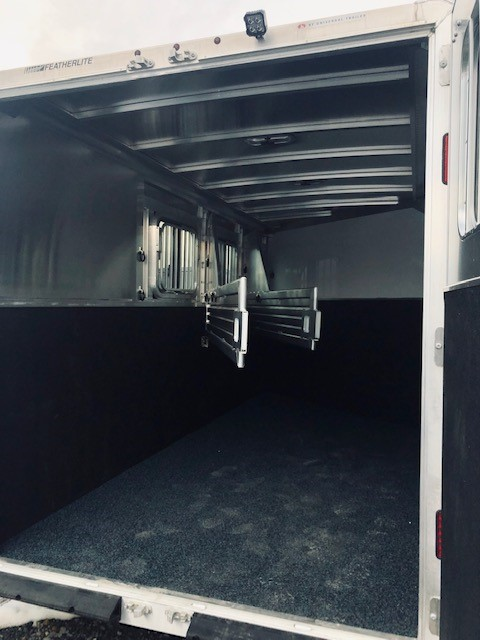 2019 Featherlite 9409 3 Horse Trailer Back Side Inside View 2