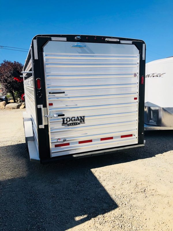 2019 Logan Stock Combo 21′ GN Trailer Back View