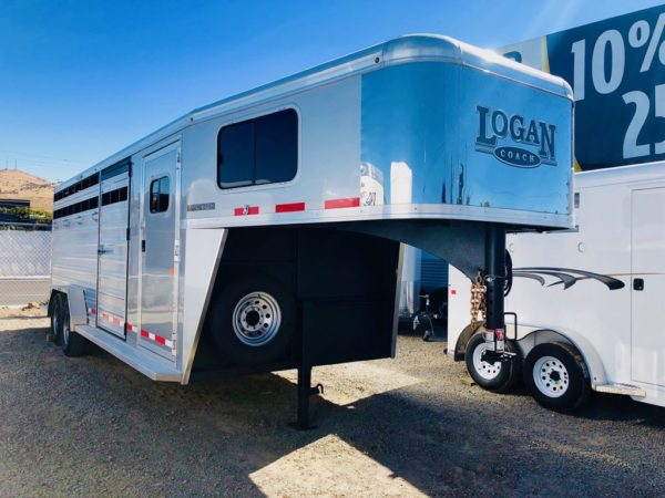 2019 Logan Stock Combo 21′ GN Trailer Front Passanger Side View