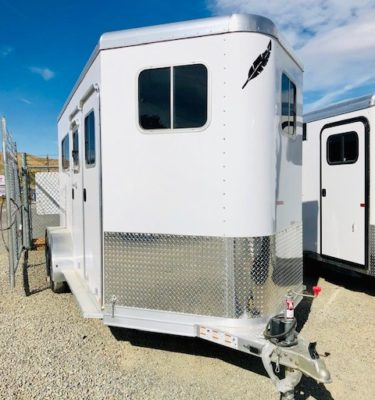 Featherlite 9407 Warmblood 2H Trailer Front Passanger Side View