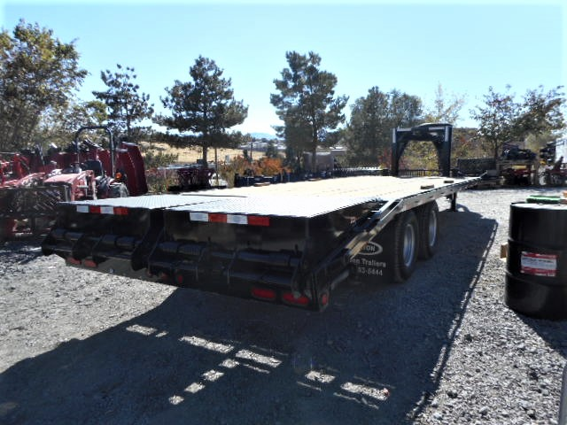 2017 8.5×24′ GN Equipment Tailer Back Side View