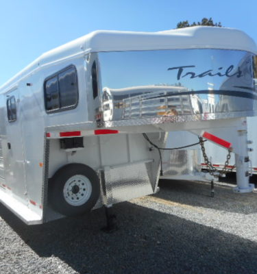 2018 Trails West Santa Fe II 21′ Gooseneck Stock Combo Trailer Front Rightside View