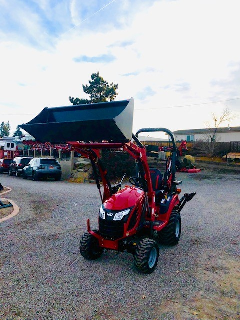 2018 Mahindra Emax S 20 Tractor Backhoe Front Driverside View