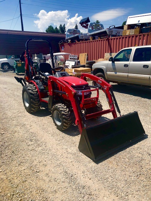2018 Mahindra Max 26 XL Tractor Front Passanger side View
