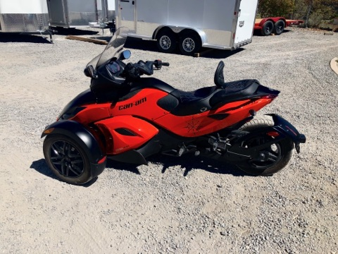 2012 Can-AM Spyder Motorcycle Driverside View
