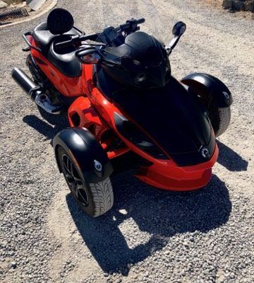 2012 Can-AM Spyder Motorcycle Front Passanger View
