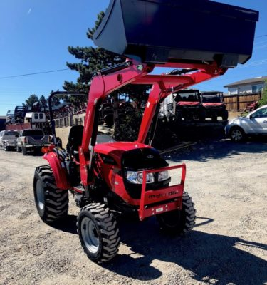 Mahindra 1533 Tractor Loader Front Passanger Side View