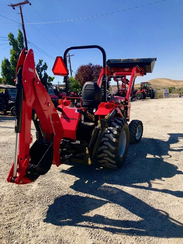 Mahindra 1538 Tractor Backhoe Back Passanger View