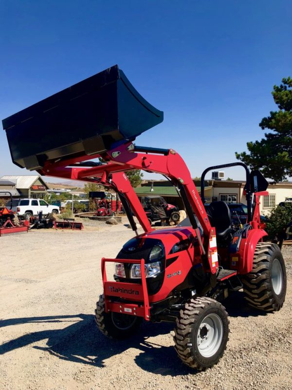 Mahindra 1538 Tractor Backhoe Front Driverside View