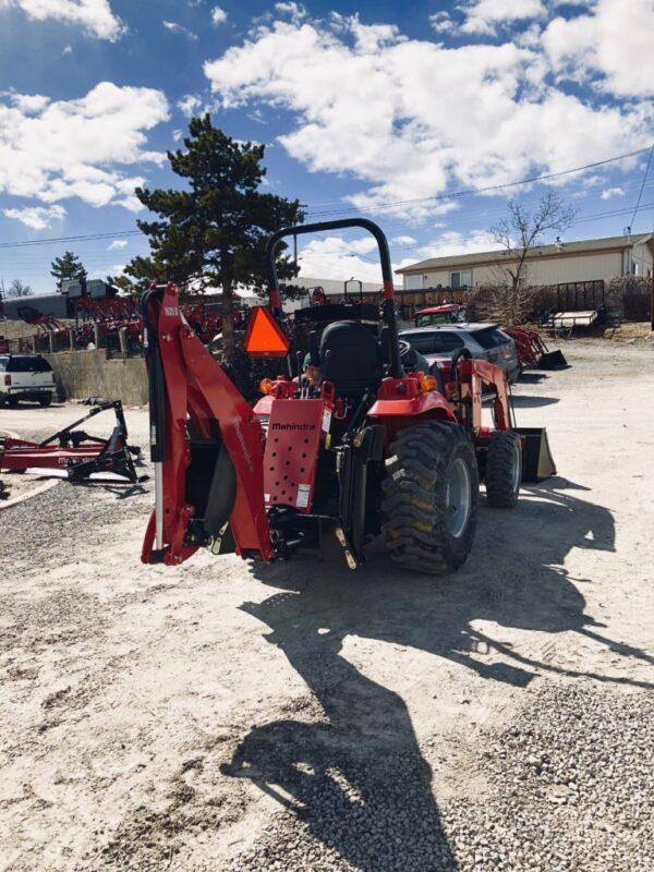 Mahindra 1635 Tractor Loader Backhoe