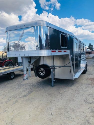 2019 Featherlite 8541 3 Horse Trailer Front Driverside View