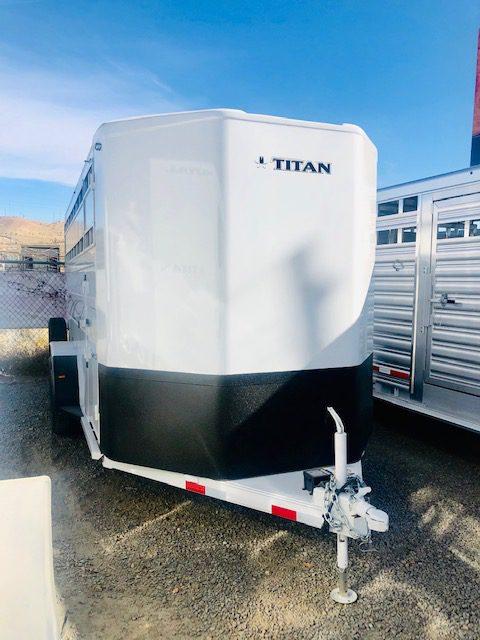 Titan 16′ Classic BP Stock Combo Trailer Front Passanger View
