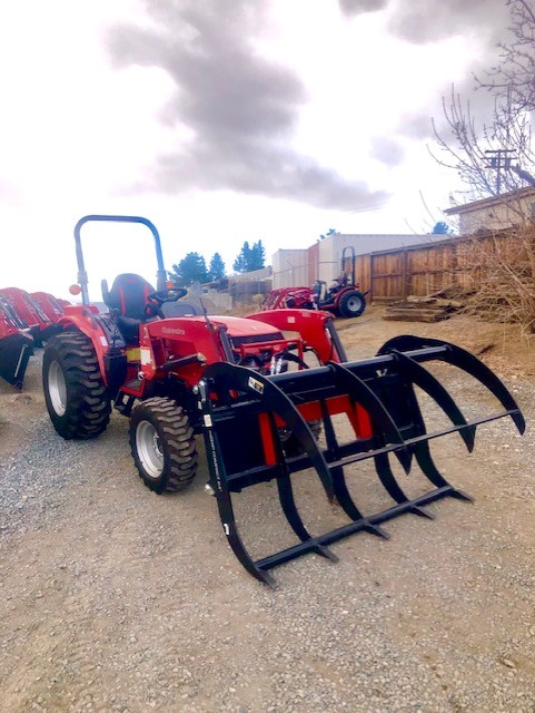 2020 Mahindra 2638 TL Grapple Front Passanger Side View